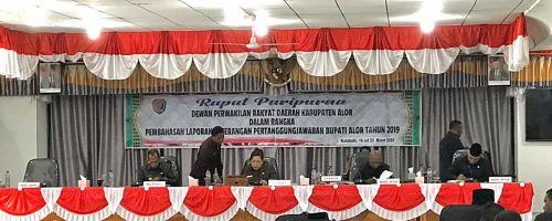RAPAT PARIPURNA DPRD KABUPATEN ALOR DALAM RANGKA PEMBAHASAN LAPORAN KETERANGAN PERTANGGUNGJAWABAN BUPATI ALOR TAHUN 2019
